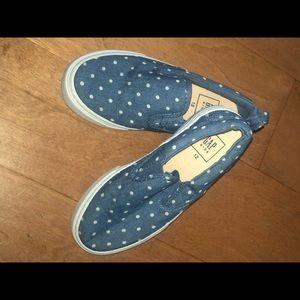 Kids polka dot denim slip on shoes.